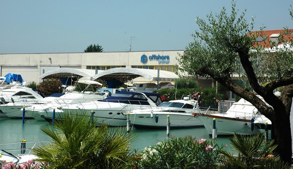 Il nostro centro assistenza e riparazione barche nel porto